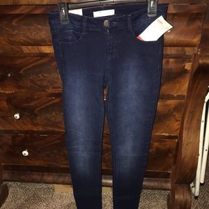 NWT/no boundaries jeans size 7 juniors